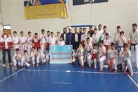 تیم کاراته جوانان هلال احمر استان در مسابقات کشوری قهرمان شد