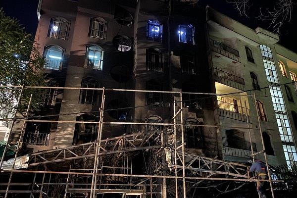 پیام تسلیت دکتر همتی در پی درگذشت شهروندان تهرانی در انفجار کلینیک سینا